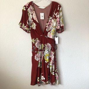 *nwt* Astr Floral Short Sleeve Wrap Dress
